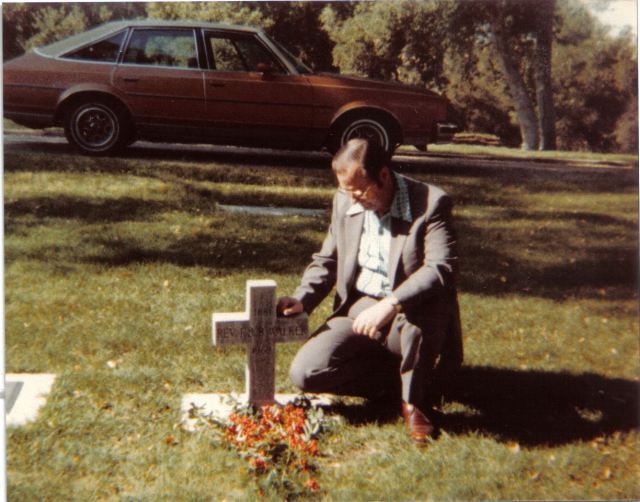 Edmond II at grave of Edmond I, 1981